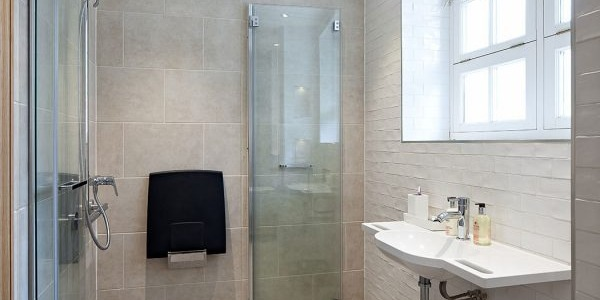 SHOWER FOR DISABLED PERSON
