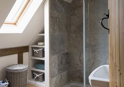 Bathroom in the attic – a challenge for the designer and installer